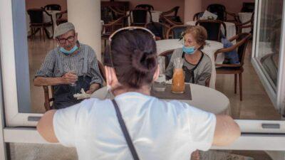 ¿Cómo van a funcionar las residencias de ancianos durante las vacaciones en la nueva normalidad?