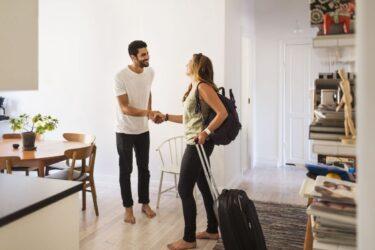 Couchsurfing: qué es y cómo encontrar alojamiento gratis en México