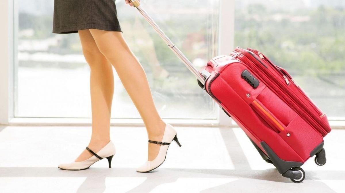 6fff06ec4 Ten en cuenta que este tipo de maletas destacan por ser pequeñas y ser  perfectas para las personas que van a pasar solo unos días fuera de casa y  no ...